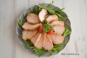 こちらはカレー風味のサラダチキンレシピ*食べやすい味付けで、子どもにも喜ばれそうです。