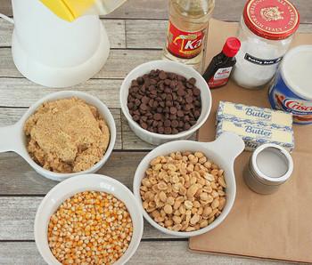 家で作るなんて面倒だと思うけれど、意外に簡単。 市販のポップコーンに自分で味付けするだけでもOKです!いろいろなフレーバーポップコーンのレシピをご紹介します♪