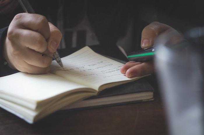 毎朝書くだけ♪未来が開く魔法の『モーニングページ』を始めよう
