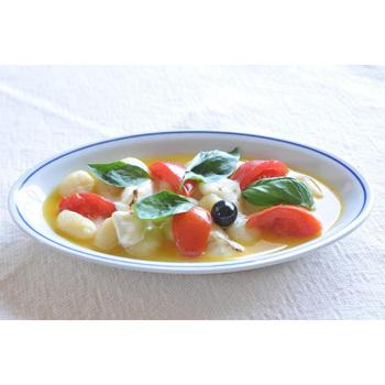 彩り鮮やかなスープも、まとまりよく。クリーンで優しい表情が印象的です。