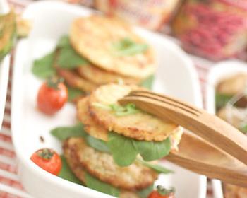 お家イタリアンの日にピッタリなマッシュポテトのロースト。エビやベーコン、チーズなどのうまみと、ローストすることによる香ばしさ。ワインにはもちろん、ビールにもピッタリな一品です♪