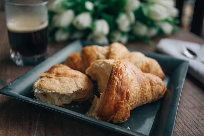 ちなみにバターたっぷりのクロワッサンは、フランス人にとっては週末の朝食として食べるちょっぴり贅沢なパンのイメージ。普段はバゲットなどで手軽にすますのが一般的です。