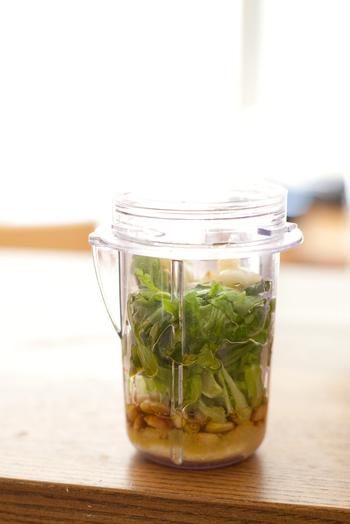 春菊も、ジェノベーゼにして頂きましょう!和風の和え物に使っても美味です。