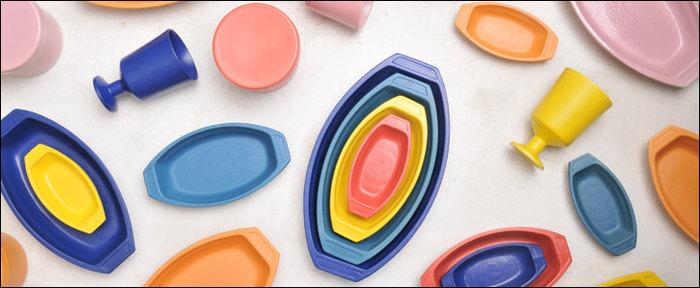 そんな「HASAMI」から、カラフルで心がウキウキするようなポップなグラタン皿のシリーズ「トイグラタン」をご紹介します。