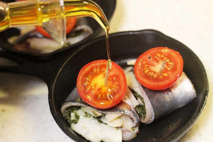 手頃な価格で買えるアジは、節約レシピに欠かせない食材。 話題のスキレット鍋を使えば、イタリアンレストランの贅沢な美味しさを気軽に楽しめます♪