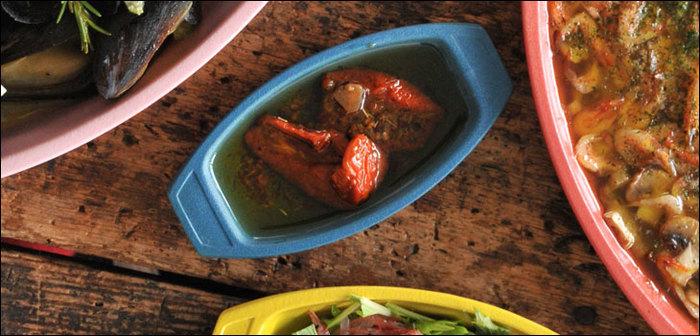 トイグラタンシリーズで最小の、まるで豆皿のSSサイズ。おつまみ入れやデザート用にぴったりなかわいらしい小鉢サイズです。