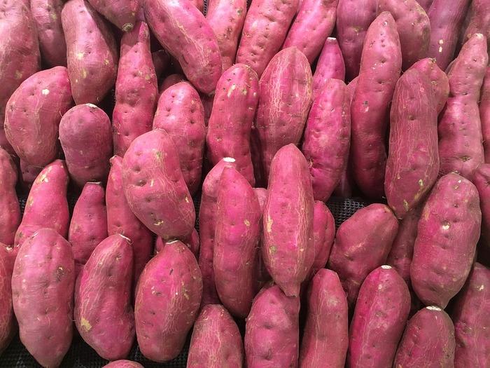 ただ、いざサツマイモを買ってみたら、筋っぽかったり、水っぽかったりで美味しくなかった経験ありませんか?そこで美味しいサツマイモの選び方を調べてみました。