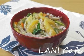 あま~い干し芋を豚汁に。さつま汁ともまた少し違った味わい。体に優しい甘さがしみわたります♪