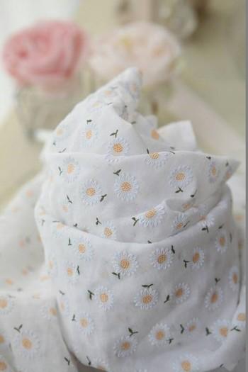 花柄・幾何学模様・動物プリントなどなど、可愛らしい布をたくさん扱っているサイトです。