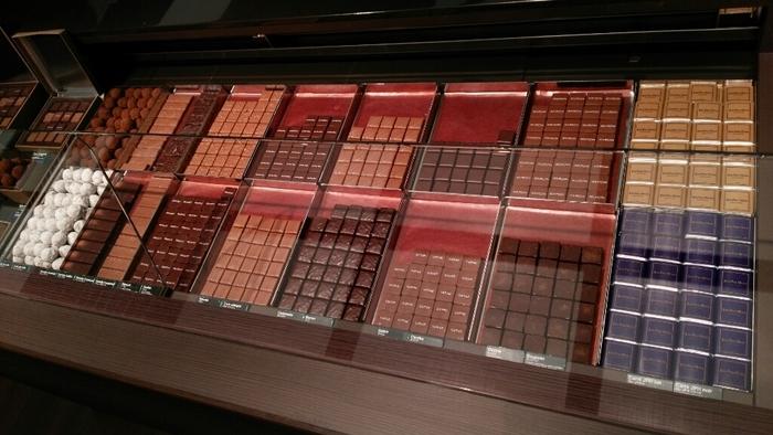 世界トップクラスのチョコレートブランド「ジャンポールエヴァン」をゆっくりと堪能できるチョコレートバー。
