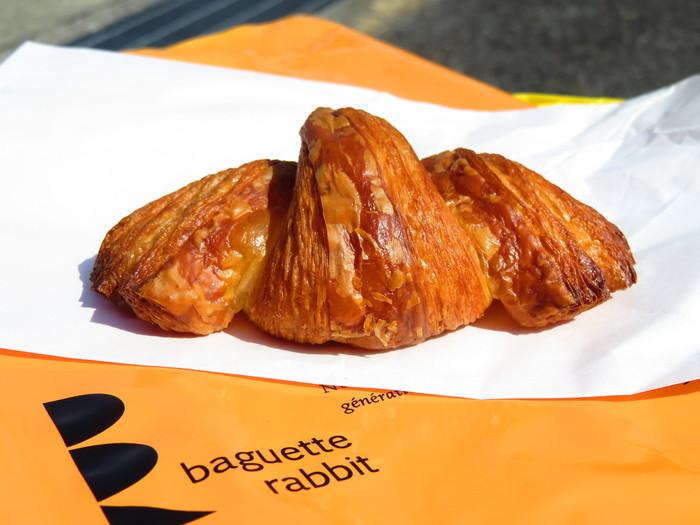 クロワッサン!オススメです。 外パリパリでバターを感じるのに重くない。 食べ過ぎ注意のクロワッサンです。
