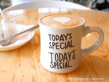 お買い物の後、ホッと一息できるコーヒータイムにも立ち寄ってみたいですね。