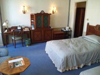 オランダのアムステルダムにある100年を超える歴史をもつ同じ名のホテルをグレ―ドアップして再現されたそうです。