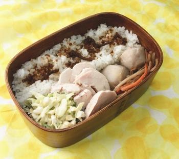 お弁当のおかずにおすすめのレシピもご紹介します。簡単に出来る鶏ハムは、朝の忙しい時でもパパっと出来ちゃう救世主。
