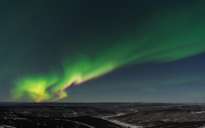 一生に一度は観たい。スウェーデン「オーロラの旅」をご案内します