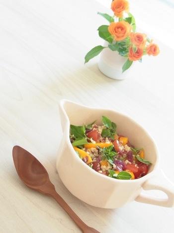 フランスで「タブレ」はクスクスのサラダのことを言うんですよ。バジルのハーブが爽やかなクスクスのサラダです。