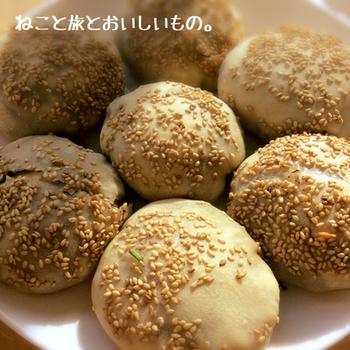 台湾の屋台で大人気の胡椒餅の家庭版レシピです。オーブンを開けたときの異国臭がたまりません!
