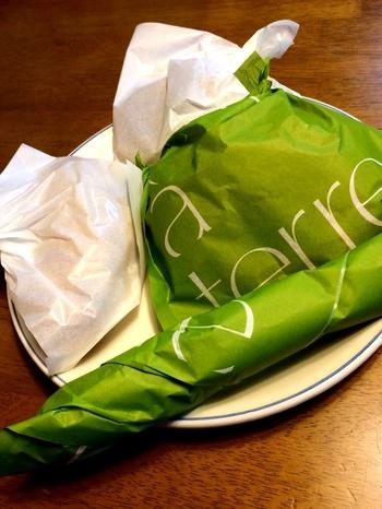包み紙もとってもお洒落。手土産にしても良いですね◎