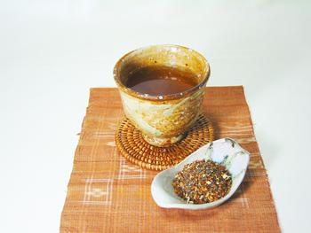 ほうじ玄米茶と生姜をブレンドしたオリジナルの日本茶「生姜焙じ玄米茶」。飲み慣れている日本茶に生姜をブレンドしているので、初めての人にも飲みやすそうですね。