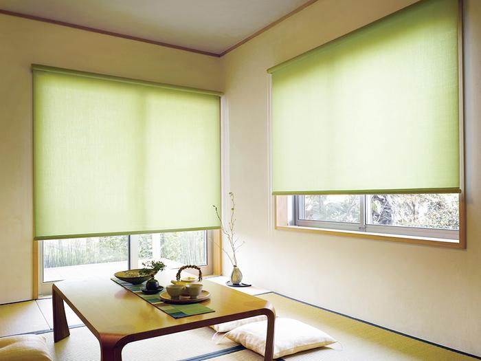 和室には障子だけ?いいえカーテンやロールスクリーンも似合います。ナチュラルな畳の雰囲気にモダンでスタイリッシュな表情は意外に好相性です。