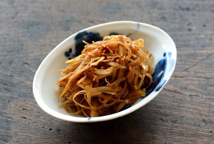 和食の定番、きんぴらごぼう。 お弁当用はすこし濃い目の味付けが◎。