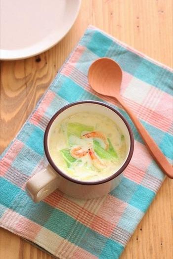 ■春キャベツと桜海老のミルクスープ■ 桜海老の風味豊かなキャベツたっぷりのまろやかな豆乳のミルクスープ。色合いがキレイですね。