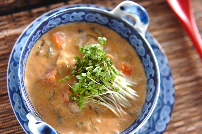 ■シジミの豆乳スープ■ ヘルシーな豆乳に、シジミ、根菜、めかぶなどを加えた栄養たっぷりのスープです。