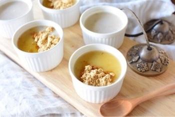 ■白ごまプリン■ ツブツブ食感が美味しい豆乳の白ごまプリンです♪お好みで、きなこや蜂蜜を加えて下さいね!