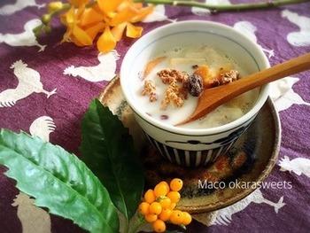 ■白いお汁粉■ お水+豆乳のさらっと飲める珍しいお汁粉。お餅が無くても、おからパウダーやグラノーラをトッピングすればOKです。