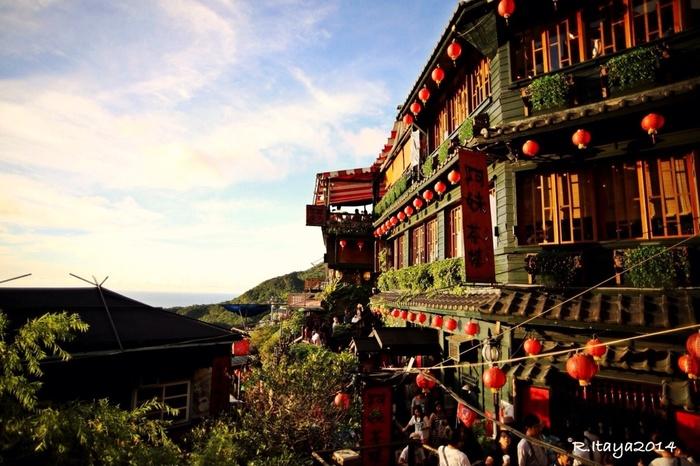 九分や台北101など観光スポットがたくさんあり、日本から気軽に行ける台湾。観光だけでなく、グルメやショッピングなどを目的として訪れる旅行者も多い人気観光地です。