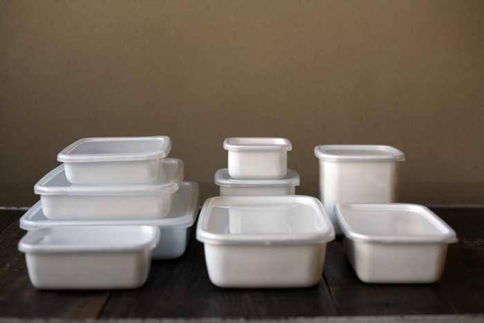 色や形が揃っていると冷蔵庫に入れた時の美しさも格別ですよね。収納する時は同じシリーズのものは容器が入れ子になるので、順番に重ねて収納できるのも◎