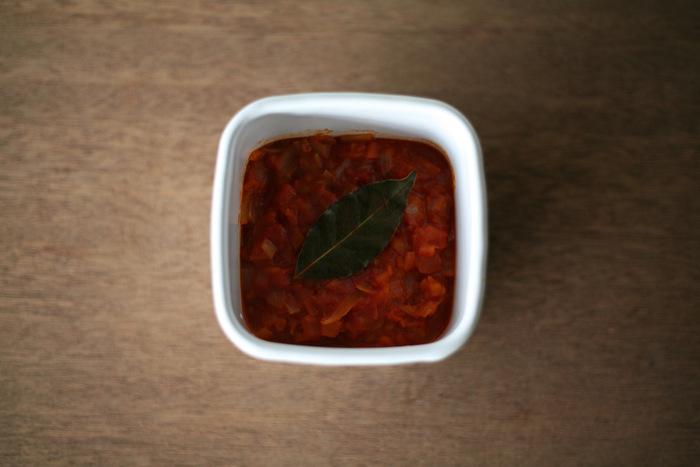 作り置きに便利なトマトソースなど、ソース類も美味しくオシャレに保存できます。