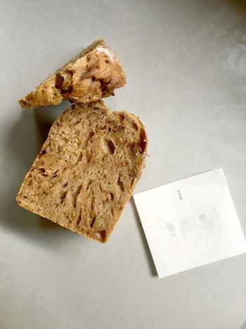 天然酵母でパンを作るお姉さんとイーストでパンを作る妹さん。一緒に夢を実現されているんですね。