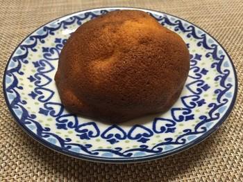 一番人気は「お味噌のパン」。お味噌とパン?異質に思える2食材ですがこれが意外にもしっくりくるんです。 しっかりした生地にほんのりのあまじょっぱさ。きめ細かな優しいパンです。