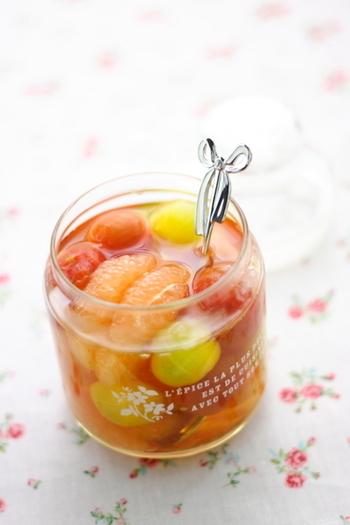 野菜と果物のコラボレーション。アイスティやスムージーに居れたり、ソーダ割りにしたりと、アレンジいろいろです。一週間程で使い切るのがおすすめ!