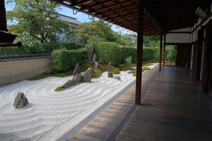 【大徳寺の塔頭「瑞峯院」の方丈前庭『独坐庭』】