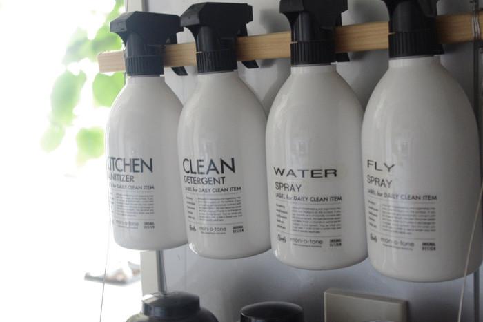 いつもの洗剤でも容器を入れ替えるだけで印象は大違い。