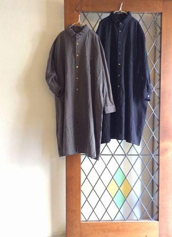 オリジナルのお洋服はもちろん、様々なナチュラル系ブランドからセレクトした良質なお洋服も揃っています。