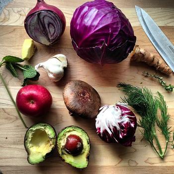 毎日の食事の中でも特に気を使って摂取する野菜。でも自分の食べている量は本当に足りてる・・・?なんて不安に思ったことありませんか?仕事、家事、育児など、忙しい毎日の中で3食きちんと食べられてない・・・という方は多いのではないでしょうか。