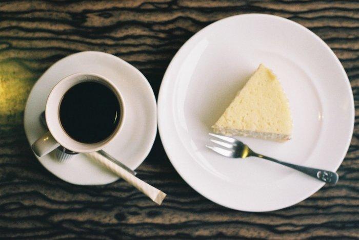 それではここから、定番からちょっと意外なものまでコーヒーに合うおすすめのお菓子のレシピをご紹介していきます。