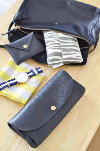 ポーチや小物も色を合わせるとバッグの中も綺麗にまとまります!