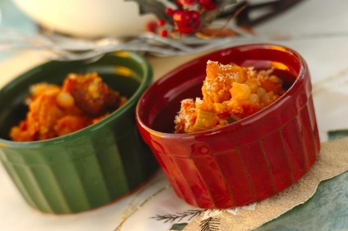 大皿で取り分けてもいいですが、写真のように小分けにしても食べやすいから良いですよね。寒い時期やパーティーなどにもオススメ料理の1つです。