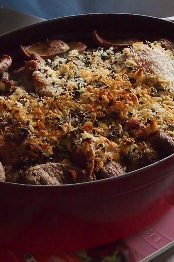 鴨肉をおいしくいただくためのレシピ。白インゲン豆とお肉がメインです。お客様のおもてなしにも作ってみたくなる華やかな一品ですね。
