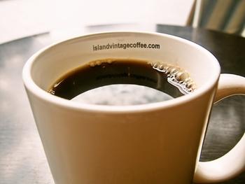 オバマ元大統領が晩餐会で振る舞ったカウコーヒーなど、希少なハワイ産100%のスペシャリティコーヒーが楽しめるカフェです。