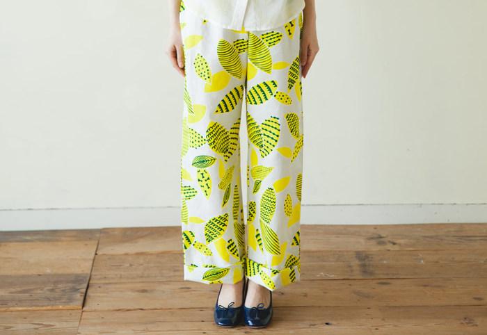 前出の画像の左下に「nunocoto」と書かれている物は、こちらのサイトで購入可能です。大人の洋服は、無料の型紙がダウンロードできます。