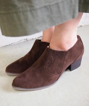 足元がワンパターン化してない?「ショートブーツ」でおしゃれにバリエーションを♪