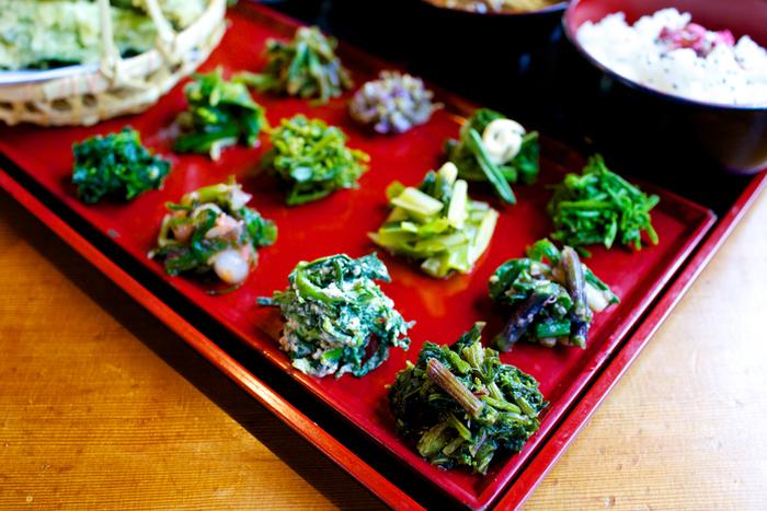 食材は山の山菜なので、季節によって採れるものが変わってきます。