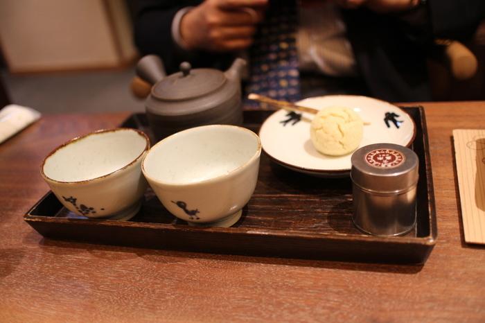 店内では、店頭でも購入できる高級茶葉が味わえます。京都の茶舗ならではの玉露を味わうのがおすすめです。