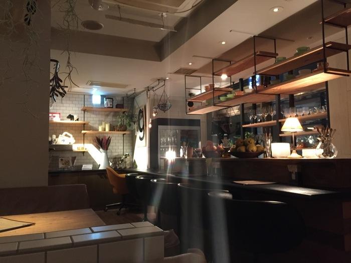 今回は10軒のみをご紹介しましたが、札幌でおいしいパフェを出す店はまだまだあります。また、一度訪れた店も、季節によって新しいメニューが登場するので、夜パフェの魅力を知ってしまったら、二度、三度とハマらずにはいられなくなるかも。ぜひお気に入りの店を見つけて、素敵な「シメパフェ」のある夜を楽しんでくださいね。