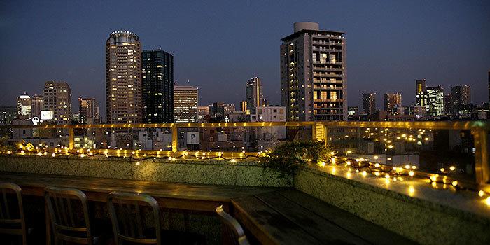 光り輝く東京タワーを見ながら、美味しいワインなどいかがでしょう?